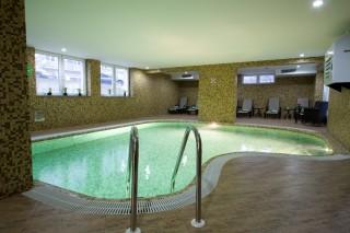 Wellness zona Hotel Park Exclusive Otočac - bazen