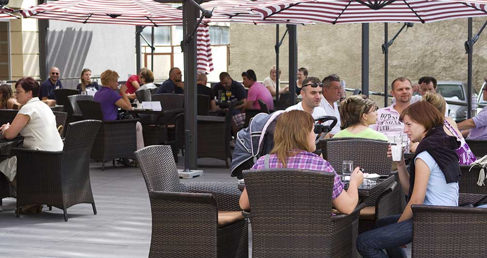 Gradska kavana - Hotel Park Exclusive Otočac - terasa